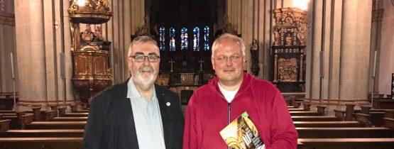 MdB Ulrich Kelber mit Msgr. Wilfried Schumacher im Bonner Münster